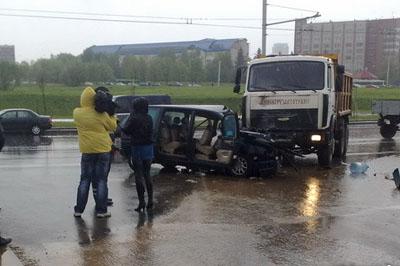 ДТП Минск (ФОТО). Информация Госавтоинспекции. Сводка за 14-15 мая 2011