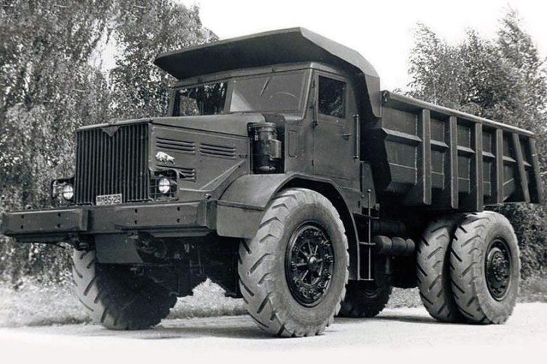25-тонный МАЗ-525