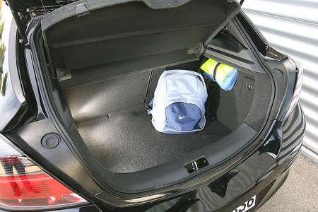 Багажник в Opel GTC