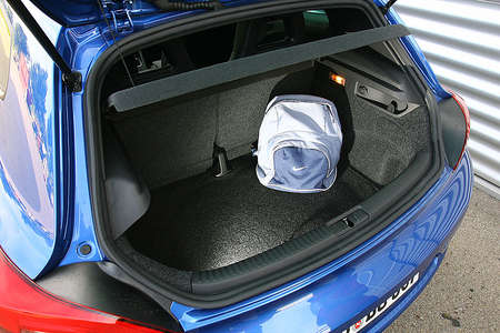 VW Scirocco - багажник