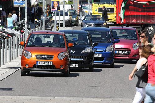 Сравнительный тест автомобилей Suzuki Alto, Daihatsu Cuore, Kia Picanto и Peugeot 107