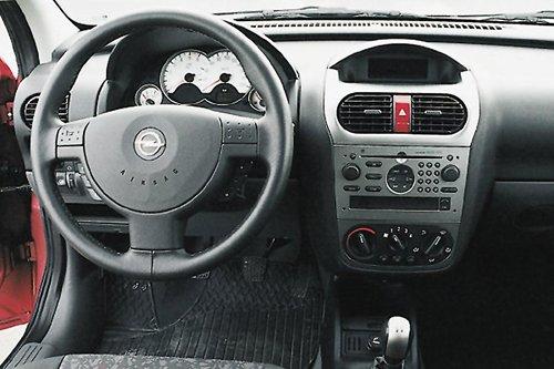 Панель Opel corsa
