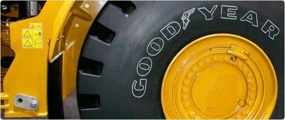 Goodyear обул самый большой грузовик в мире