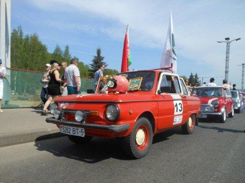Участник ретрофестиваля раллийный ЗАЗ-968М