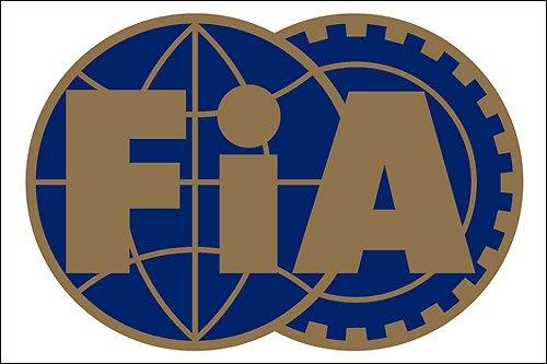 FIA вынесло предупреждения Mercedes AMG и Pirelli