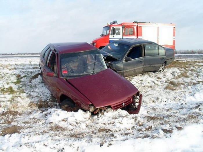 На М10 в ДТП пострадало два человека