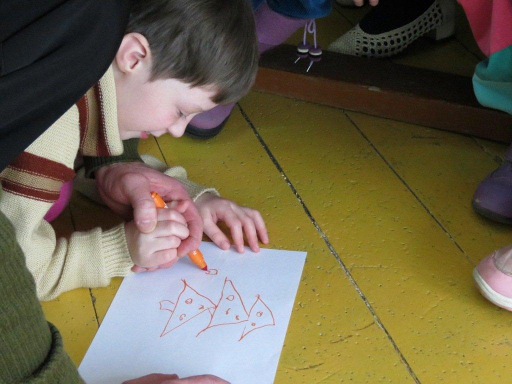 конкурс рисунка в детском доме