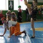 дрессированые пудельки, клоун и гимнастка