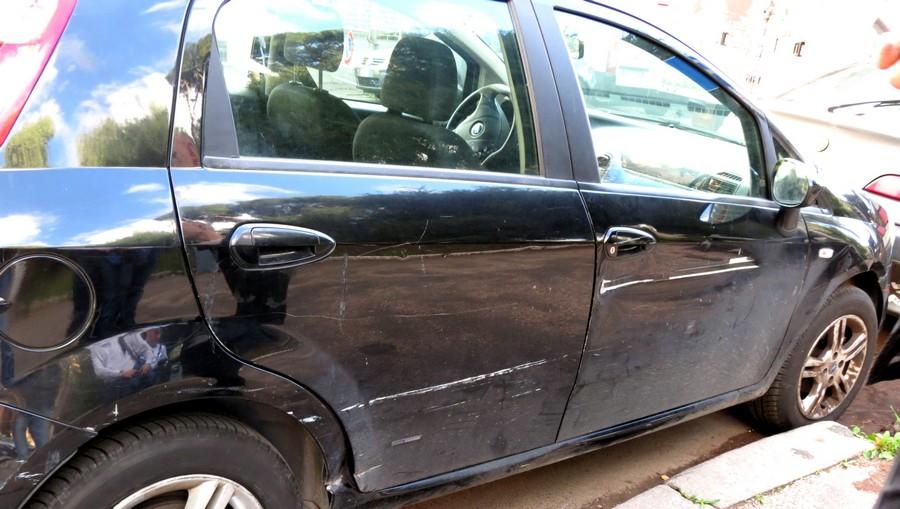 царапины на машинах Италии