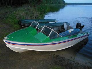 Лодка на озере Белое