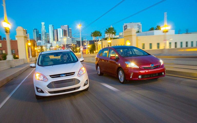 Сравнительный тест автомобилей Ford C-Max Hybrid и Toyota Prius V