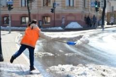 ГАИ оштрафовало гродненских коммунальщиков за выброшенный на дорогу снег