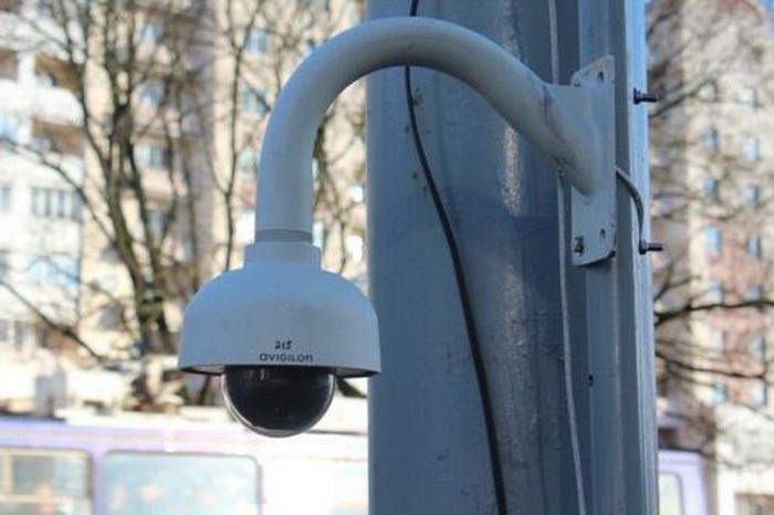Пешеходы под видеоконтролем
