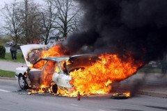 Сморгонский сериал: пытаясь вернуть любимую женщину, мужчина сжег авто ей дочери и своего конкурента