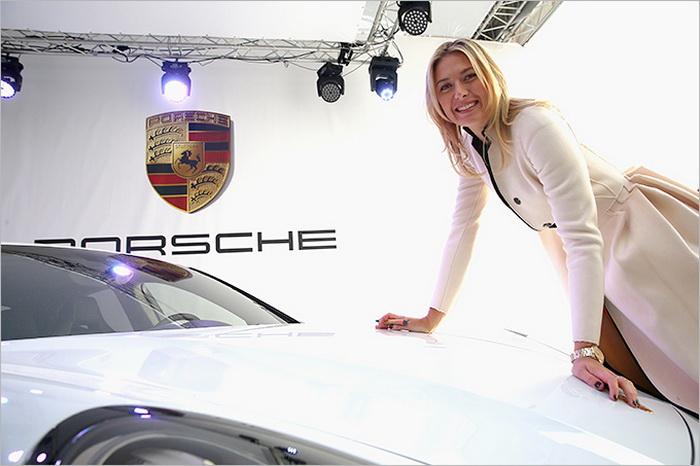 Мария Шарапова представила свой именной автомобиль Порше