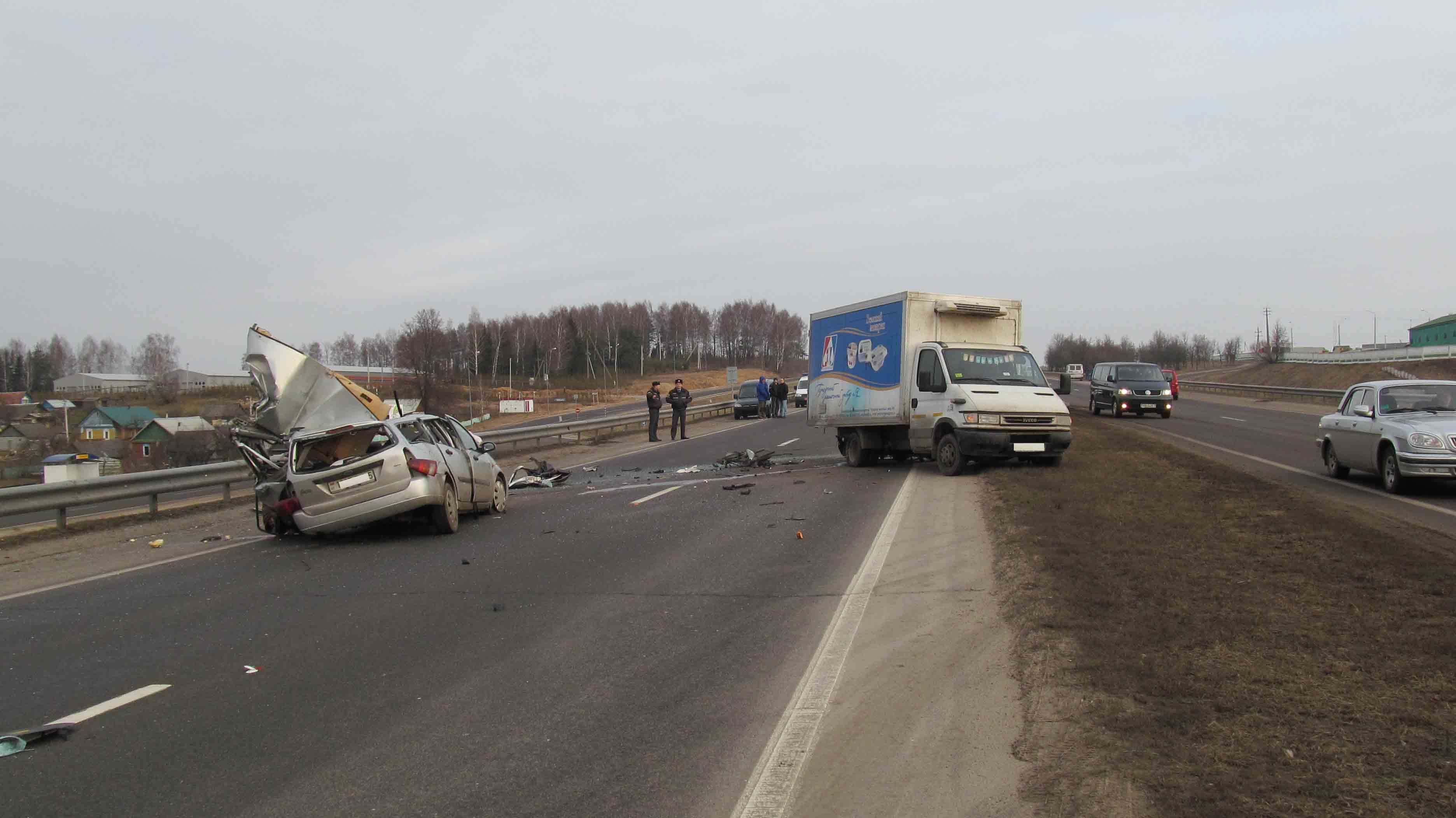 авария, столкновение, ДТП, грузовик, легковушка, погибли, реанимация, пострадавший, изношенный, шины