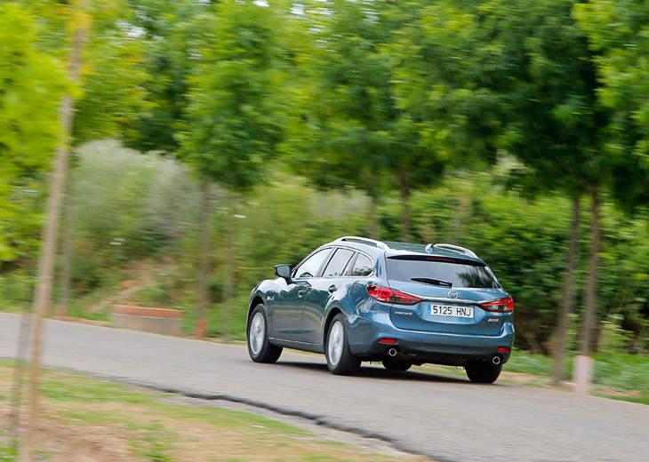 Сравнительный тест автомобилей Mazda 6 SW и Peugeot 508 SW