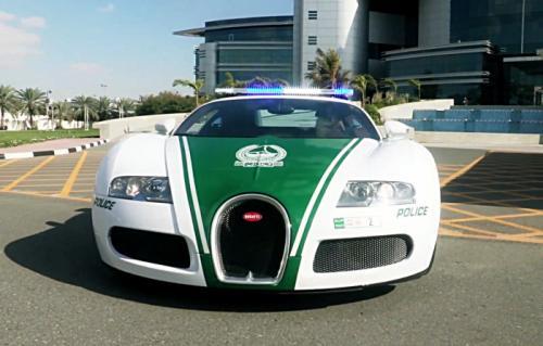 новинка в автопарке полиции Дубая