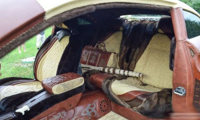 в россии был изготовлен кожаный автомобиль