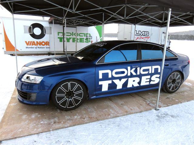Audi RS6 на которой был установлен мировой рекорд скорости на льду на шинах Nokian Hakkapelitta 8
