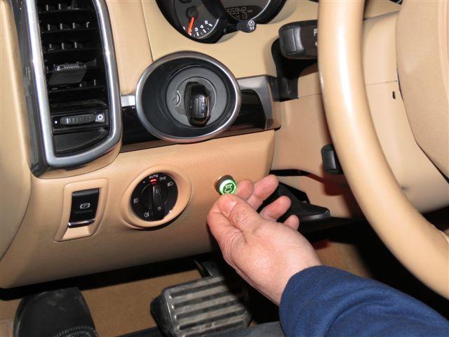 Шипы концепт- шины Nokian управляются из салона автомобиля