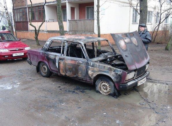 поджог, сгоревший, автомобиль, поджигатель