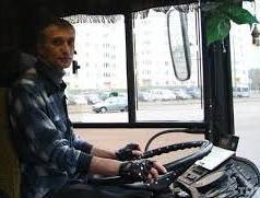 Лишили права управления водителя автобуса, который наказал 20 автомобилистов за год