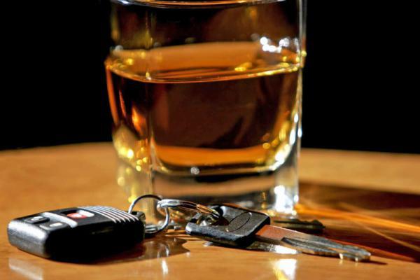 алкоголь и ключ от авто
