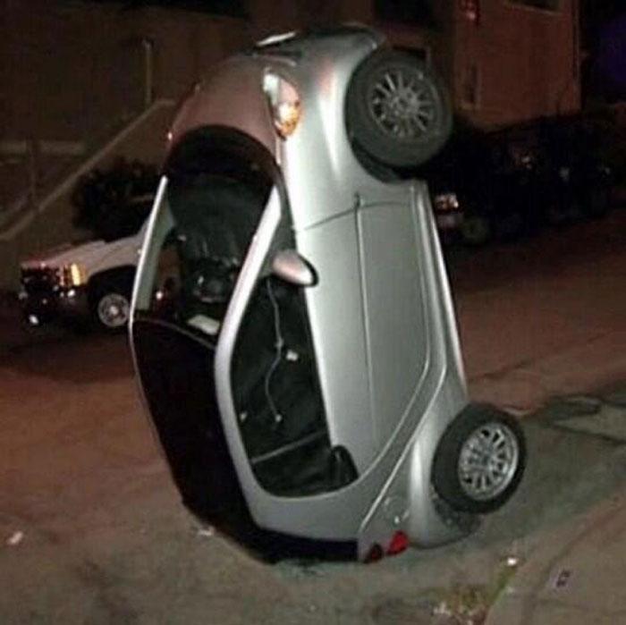 перевернутые автомобили смарт