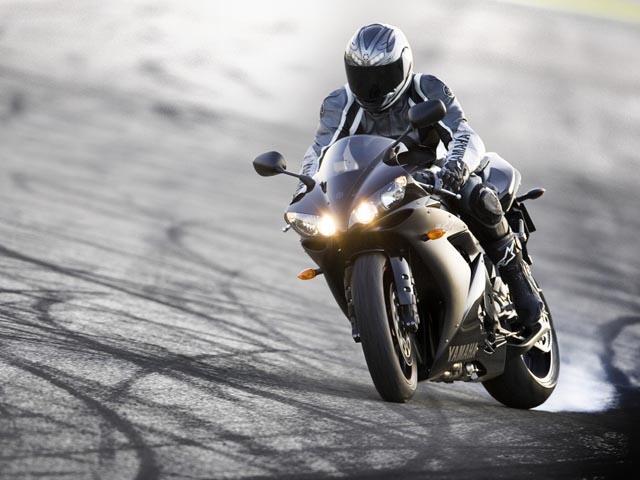 мотоциклистам запретят пользоваться городскими дорогами