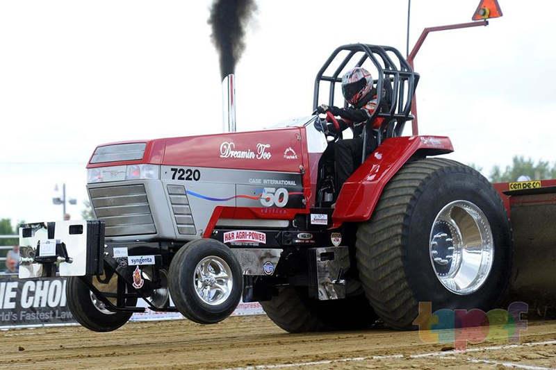 У тракторных гонок спонсором станет Alliance Tire
