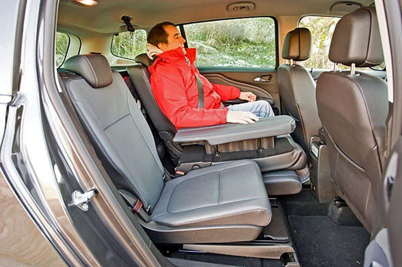 Сравнительный тест Citroen Grand C4 Picasso и Opel Zafira Tourer