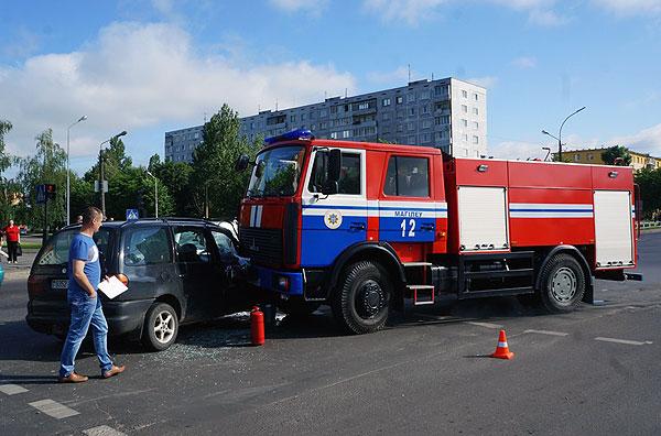 авария машины МЧС фольксваген