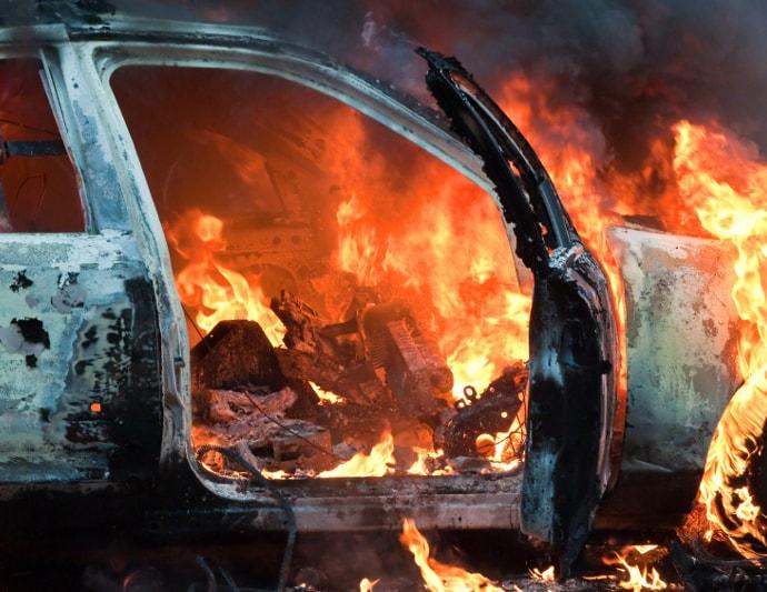 подростки, кража, автомобиль, сожгли