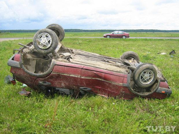украденый пассат попал в аварию