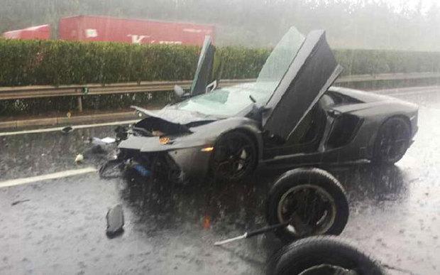 Lamborghini Aventador за 970 тысяч долларов разбили в Китае