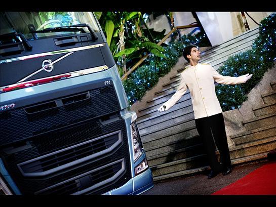 Спортивный автомобиль под капотом грузовика благодаря новой системе I-Shift Dual Clutch