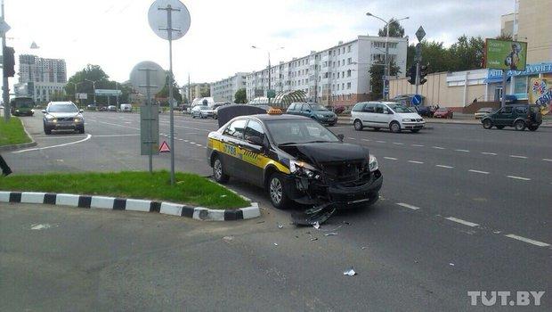 ДТП, такси, два, Дзержинского