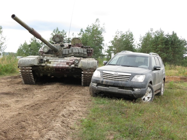 KIA Mohave против танка Т-72Б