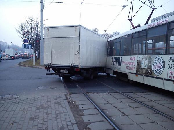 авария, трамвай, мерседес