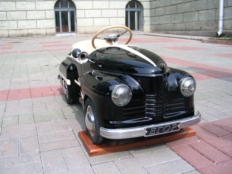 Детский педальный автомобиль, созданный 60-лет назад