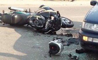 В Минске мотоциклист на Kawasaki столкнулся с КАМАЗом, а в Пинске Volkswagen не пропустил Suzuki