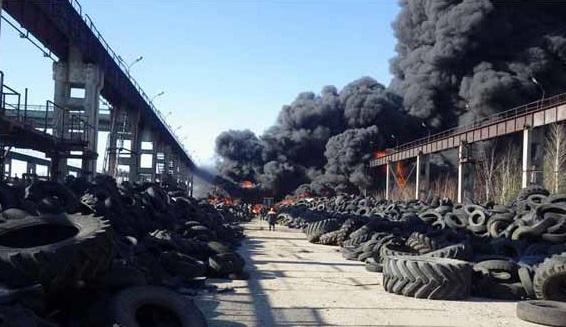 В Могилеве произошел пожар на полигоне старых шин
