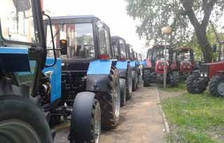 Беларусь будет поставлять на Кубу автомобильную технику