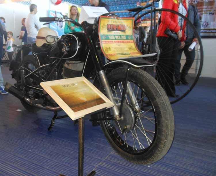 Будущий экспонат выставки - мото цикл ИЖ-49