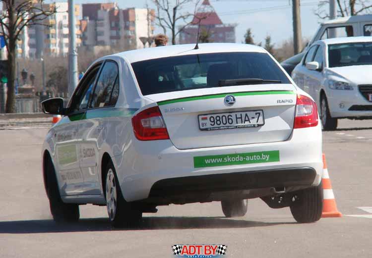Тест Peugeot 301 и Skoda Rapid