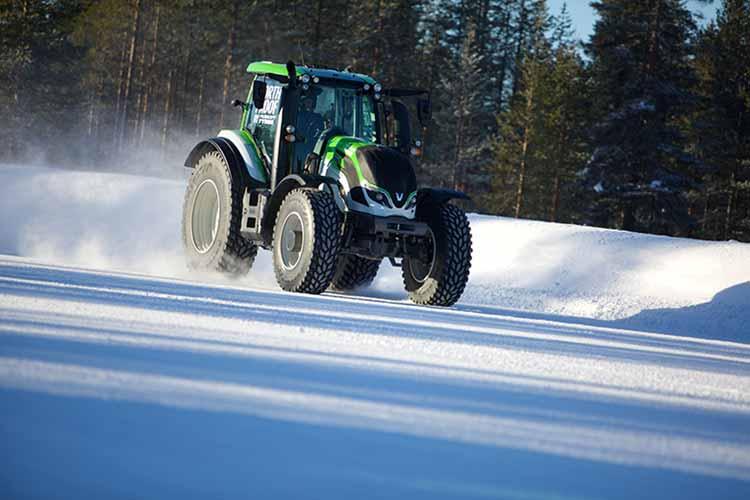 Установлен новый мировой рекорд скорости на тракторе Nokian Tyres
