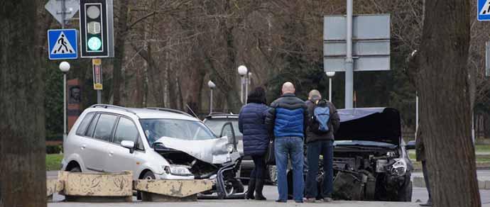 ДТП в Бресте: лоб в лоб столкнулись Mazda Premacy и Citroen C5