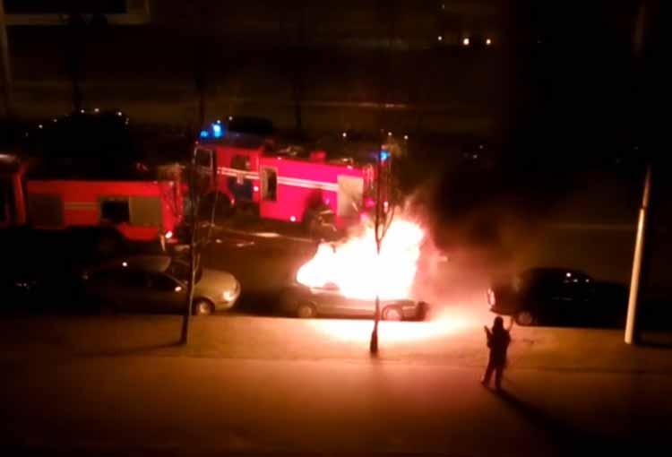 В столичном районе Уручье произошло три автомобильных поджога за час