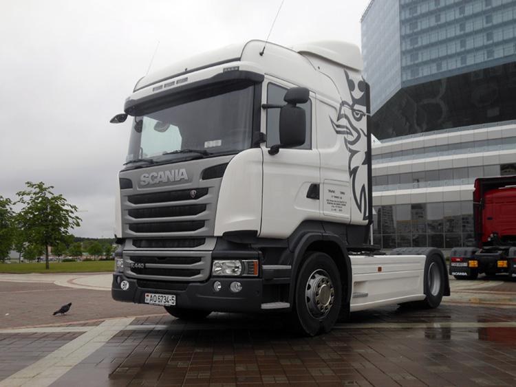 Автотягач Scania R440
